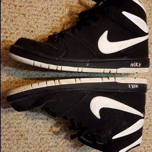 Nike High -Tops Size 9 Boys or Men